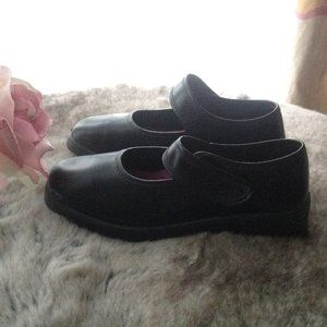 Girl's Black Formal Shoes, Youth size 4